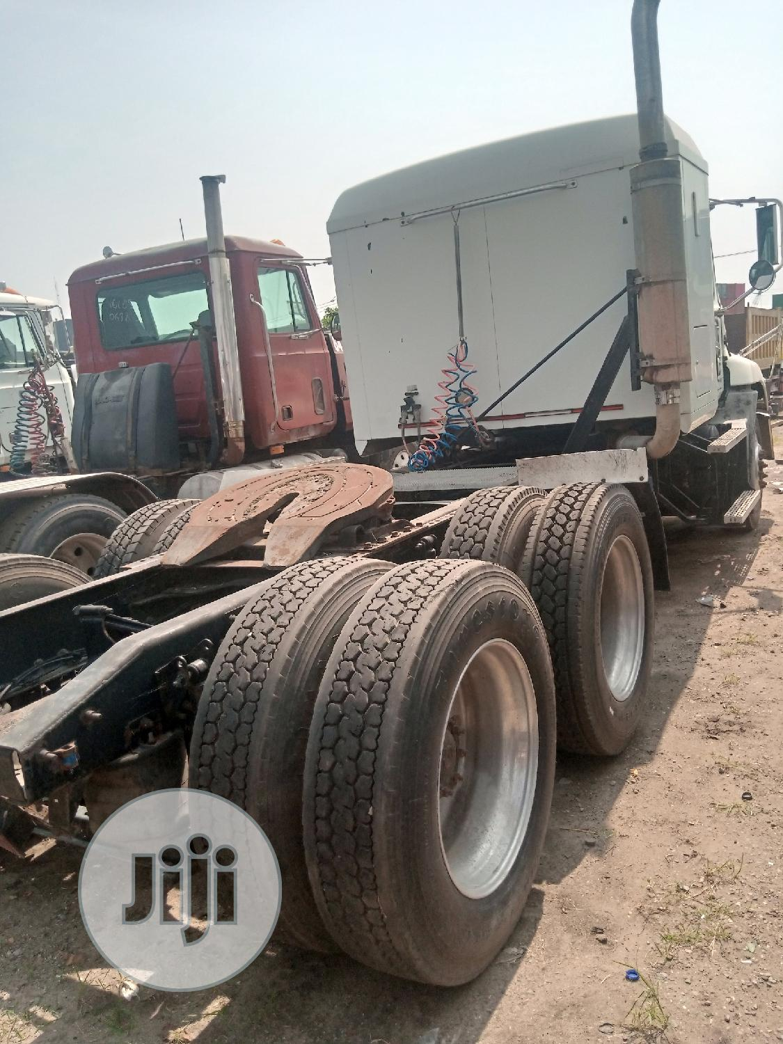 Mack Vision Tractor Head Truck 2001 | Heavy Equipment for sale in Apapa, Lagos State, Nigeria