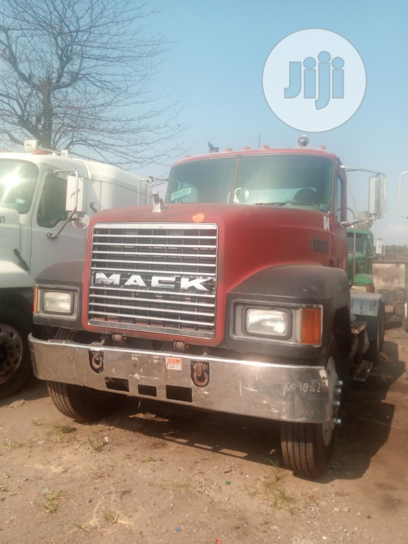 Mack Tractor Head Truck