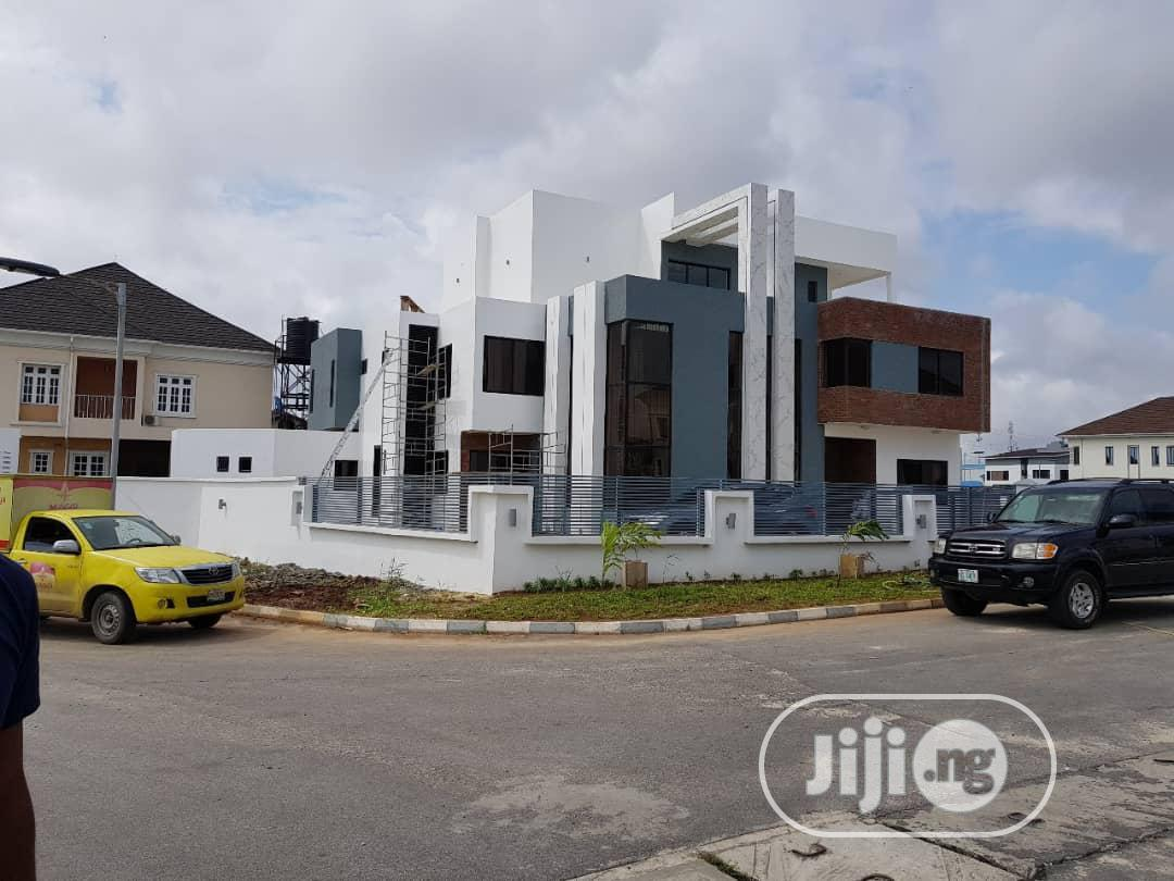 Furnished 7 Bedroom Mansion With Pool Available At Lekki.