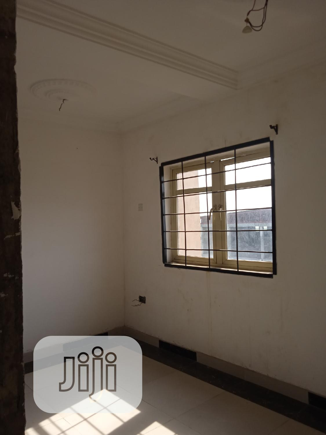 Archive: A Standard Office/Shop Space Up for Lease/Let