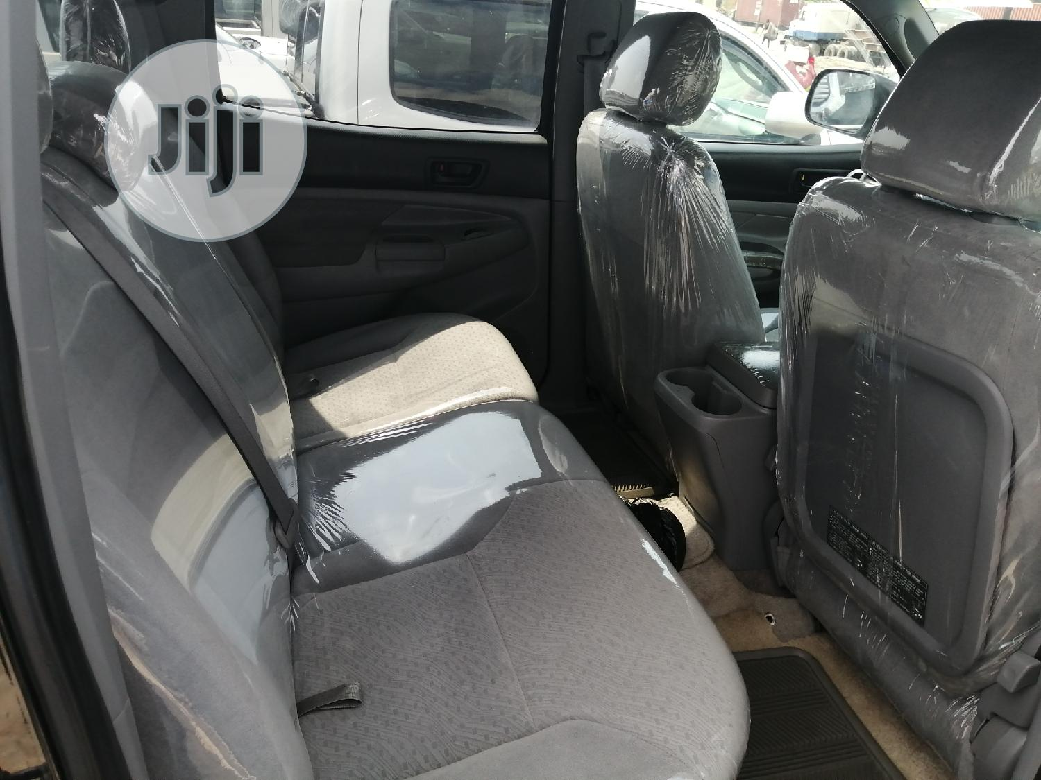 Toyota Tacoma 2006 PreRunner Access Cab Black | Cars for sale in Apapa, Lagos State, Nigeria