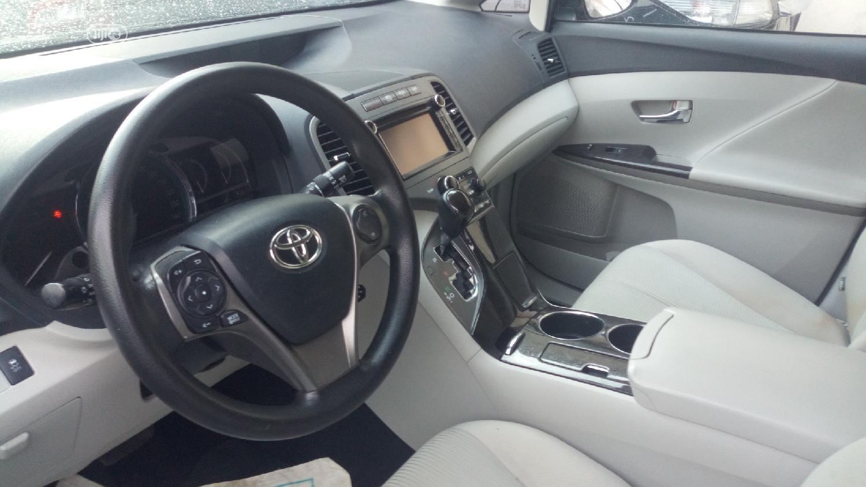 Archive: Toyota Venza 2013 LE FWD Blue