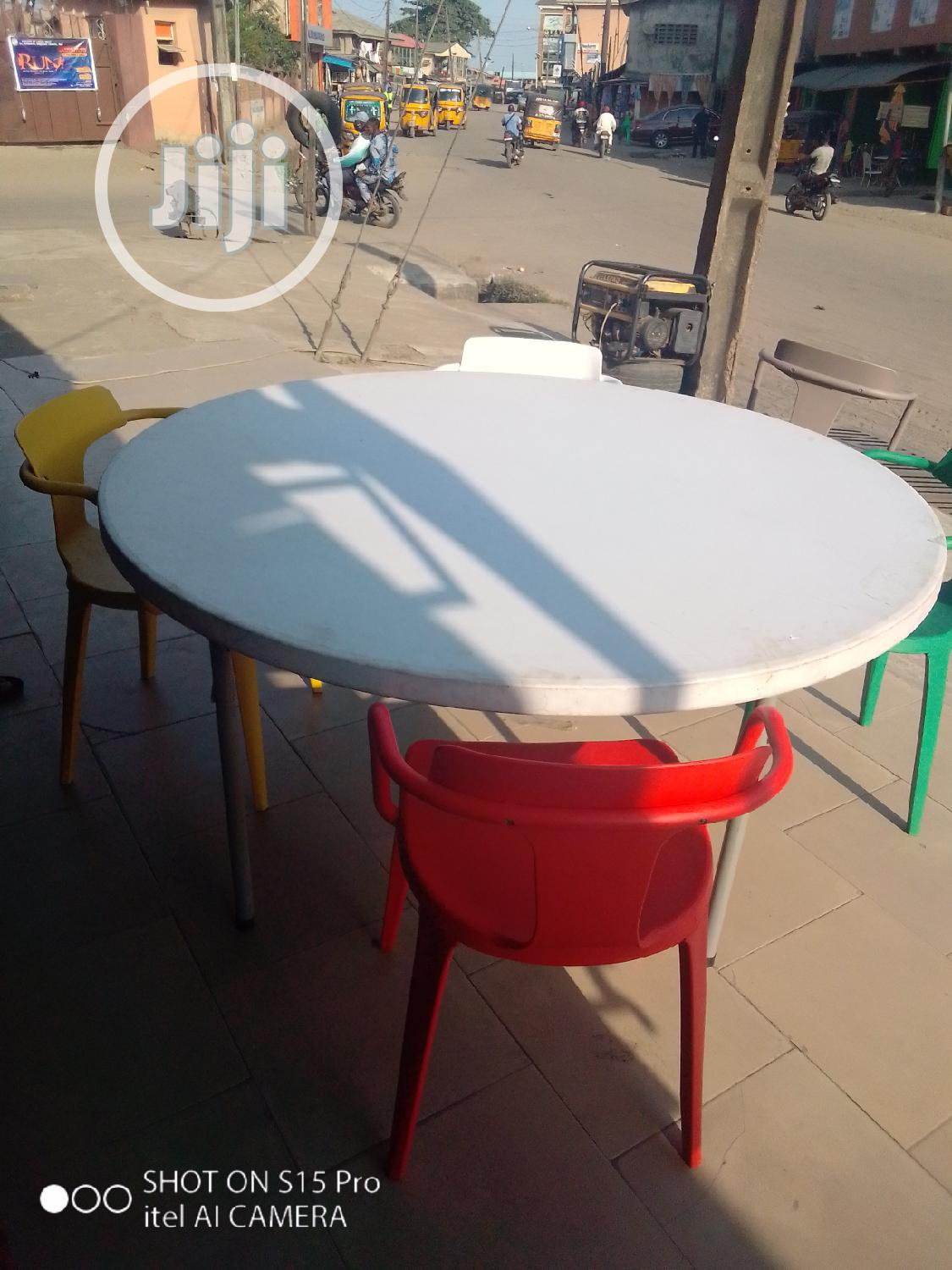 Good Quality Collapsible Round Plastic Table By10 Chairs
