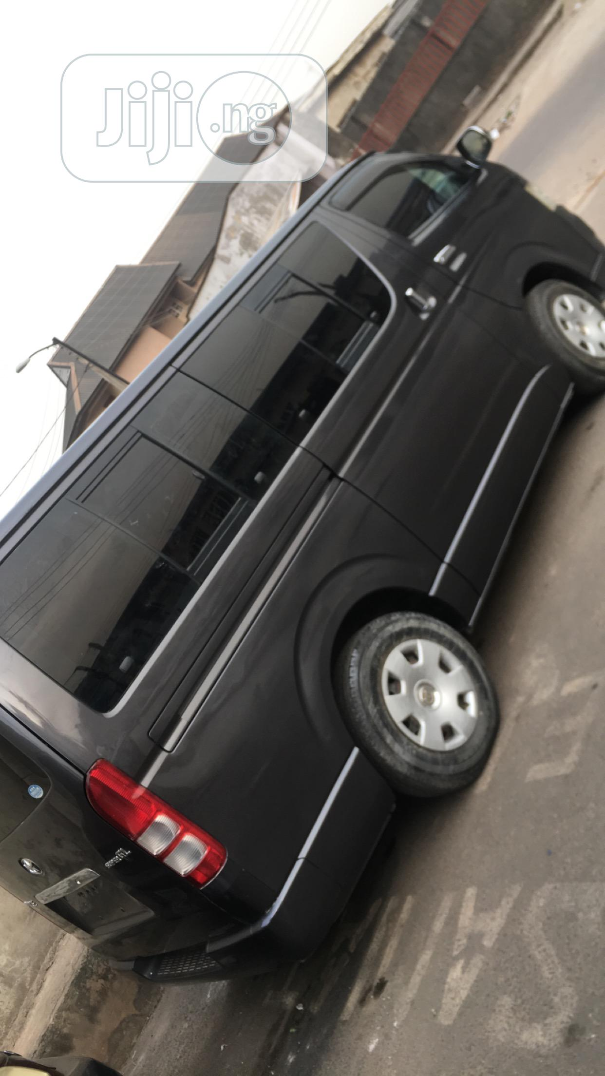 Archive: Hummer Bus