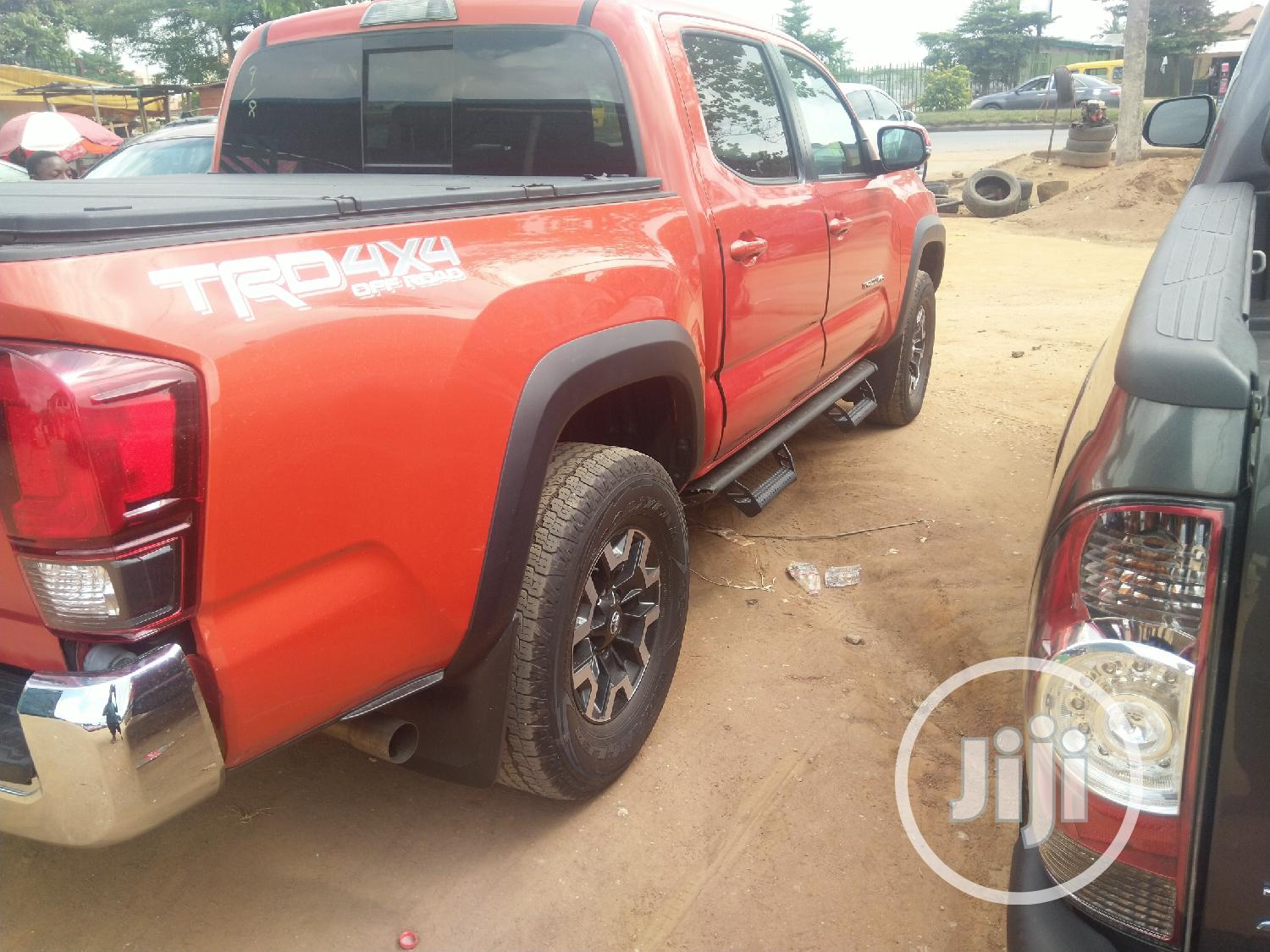 Archive: Toyota Tacoma 2018 Red