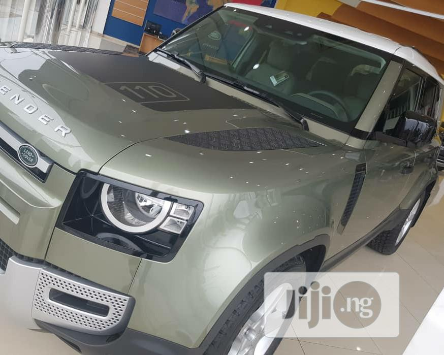 Archive: Land Rover Defender 2020 110 SE 4x4 Gray