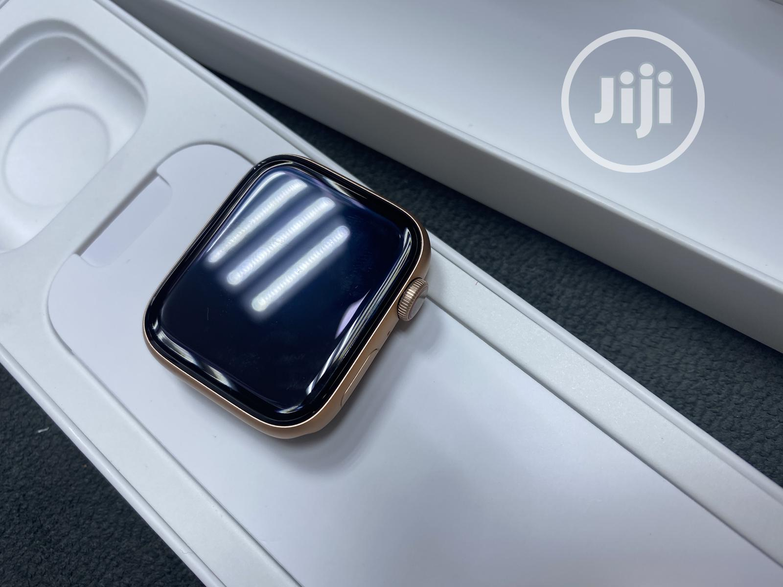 Archive: Apple Watch Series 6 44mm GPS + CELL