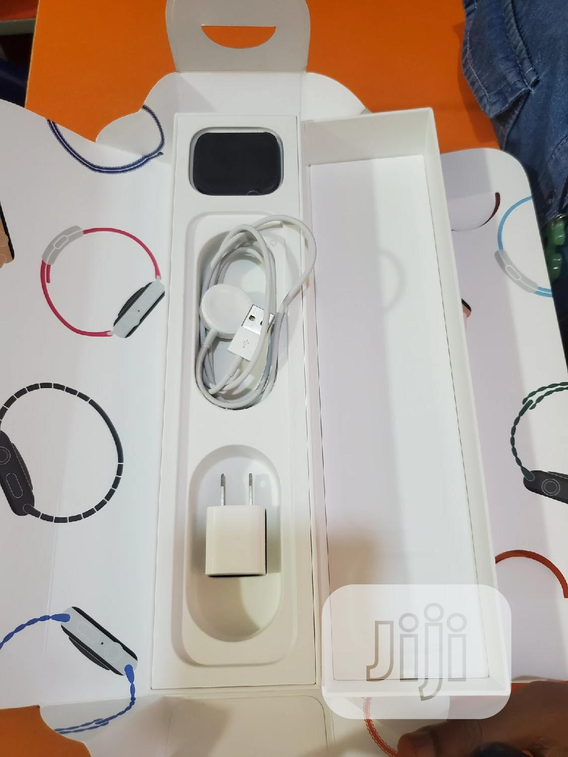 Apple Watch Series 4 44mm. | Smart Watches & Trackers for sale in Onitsha, Anambra State, Nigeria