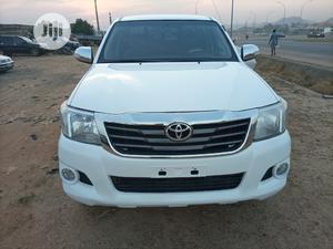 Toyota Hilux 2013 SR5 4x4 White | Cars for sale in Abuja (FCT) State, Kubwa