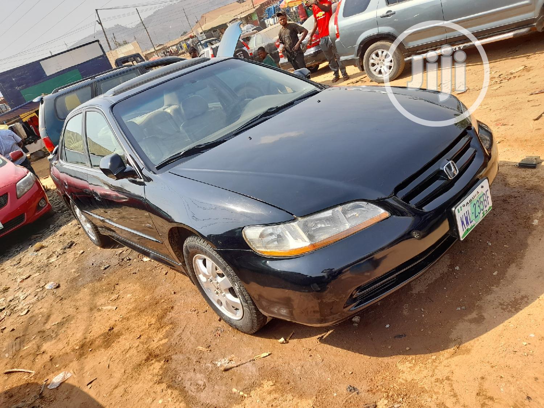 Archive: Honda Accord 2001 5P Black