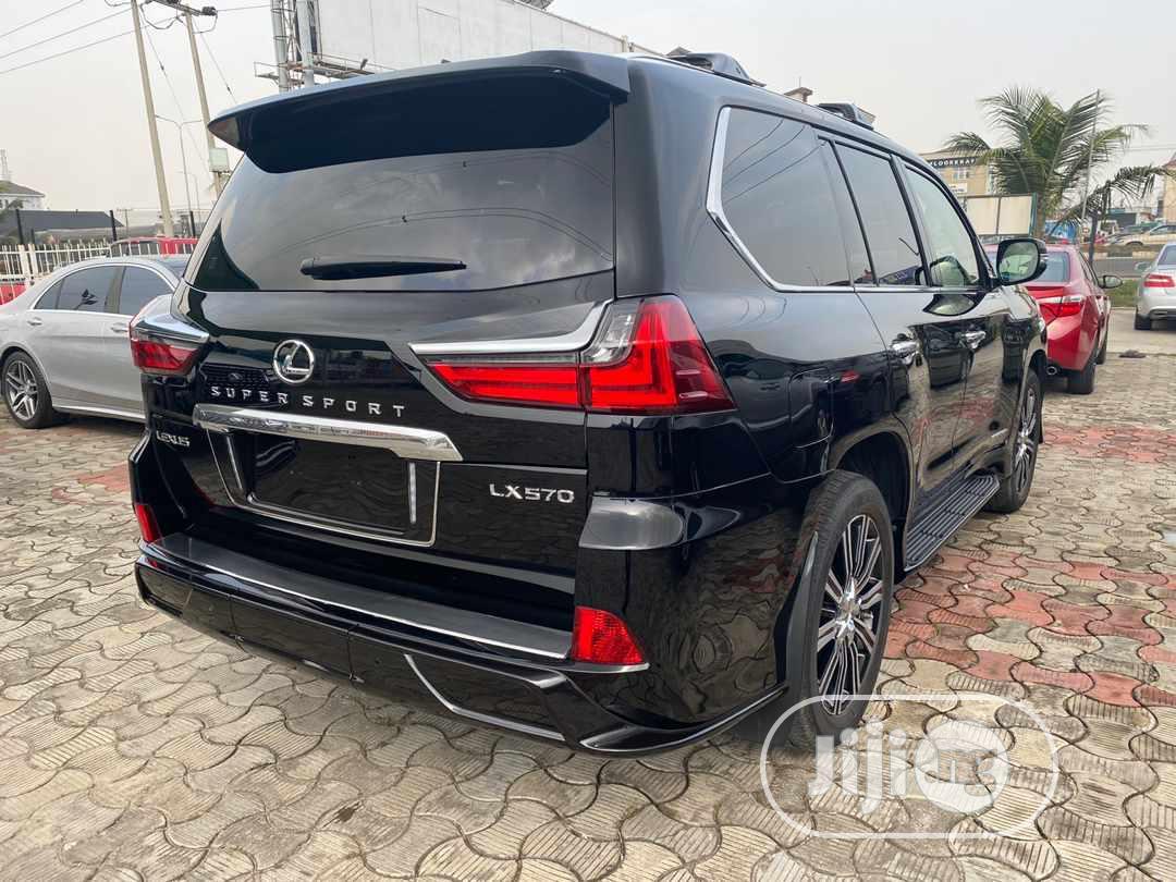 Archive: Lexus LX 2019 570 Three-Row Black