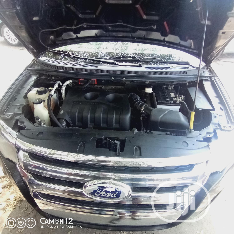 Archive: Ford Edge 2013 Black