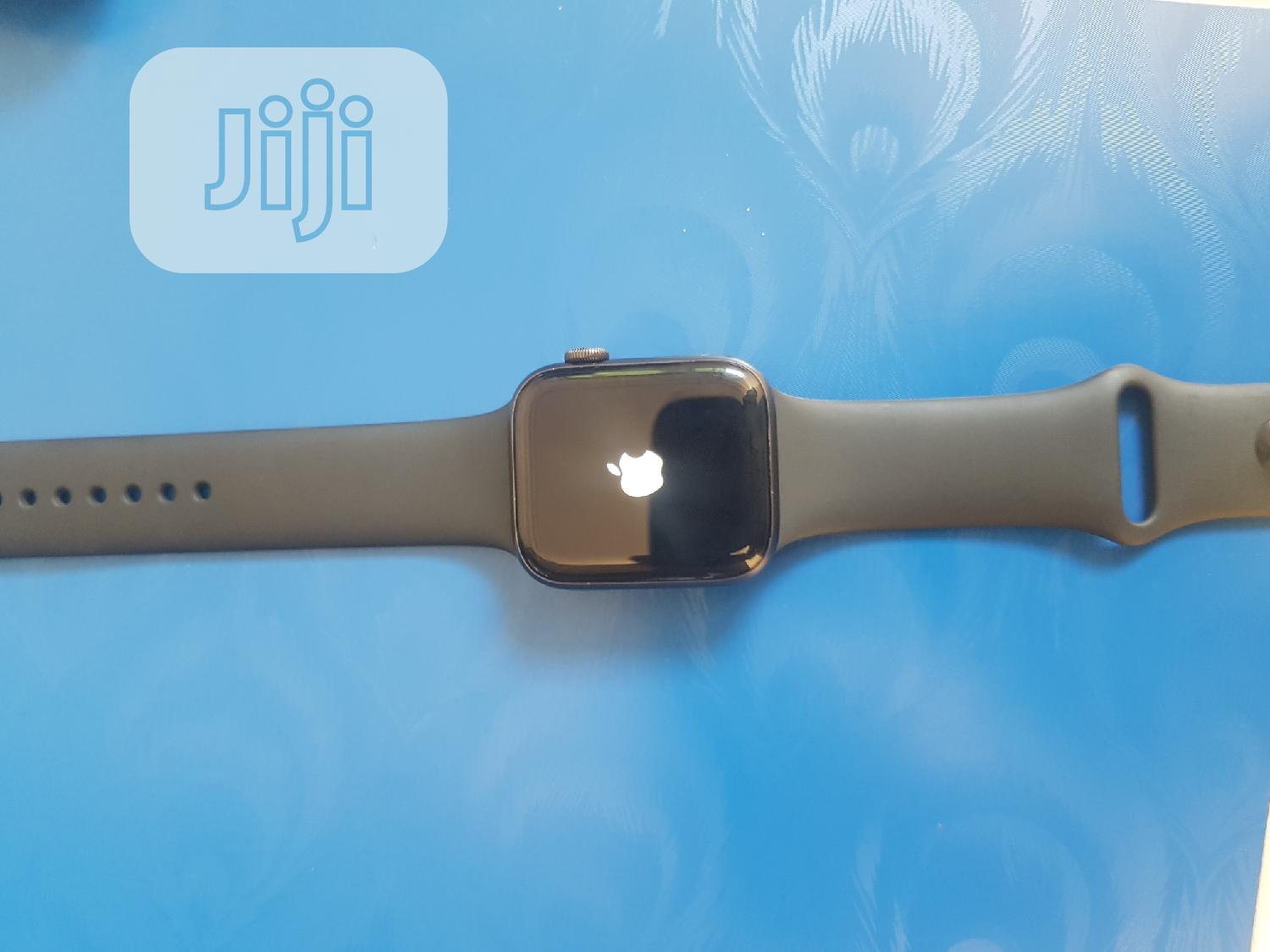 Apple Iwatch Series 5 44mm | Smart Watches & Trackers for sale in Wuse 2, Abuja (FCT) State, Nigeria