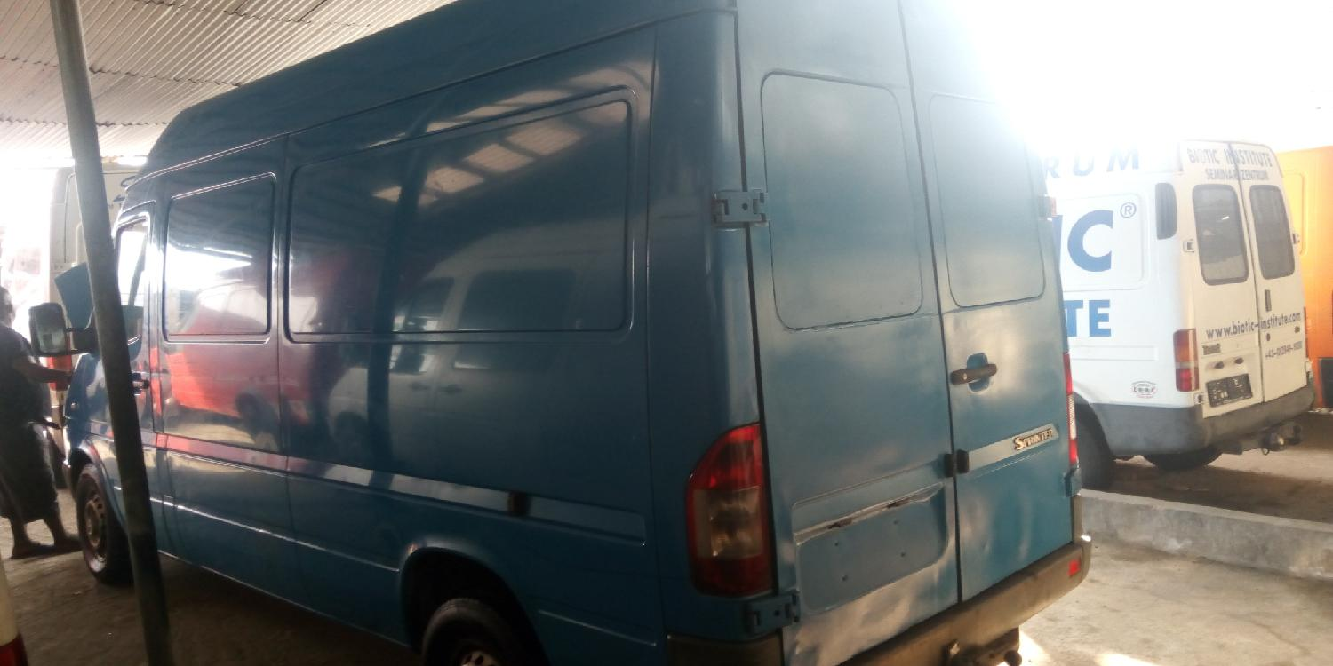 Mercedes Sprinter 2005 Blue | Buses & Microbuses for sale in Apapa, Lagos State, Nigeria