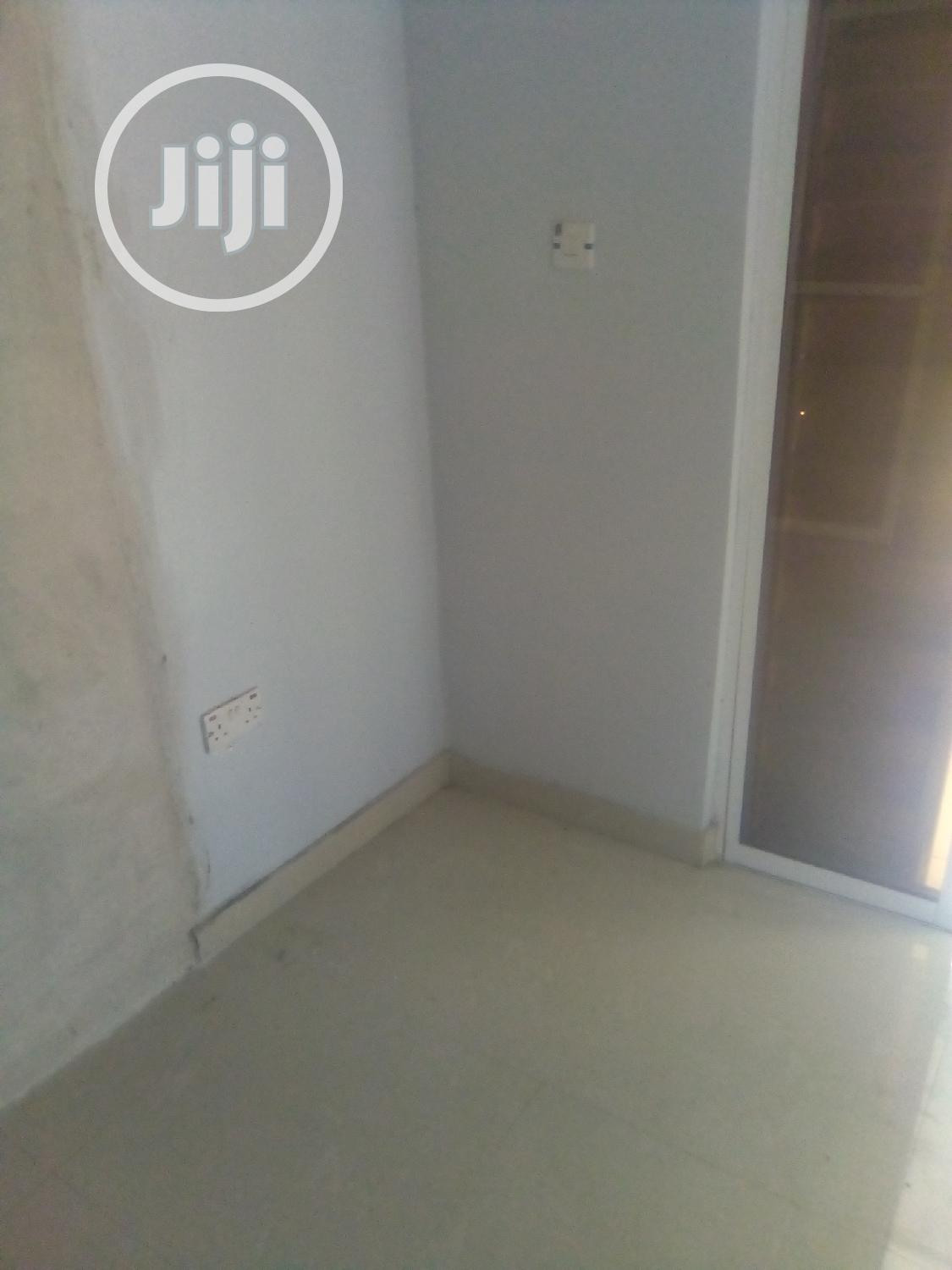 Archive: Newly Built Spacious Shop/Office For Rent