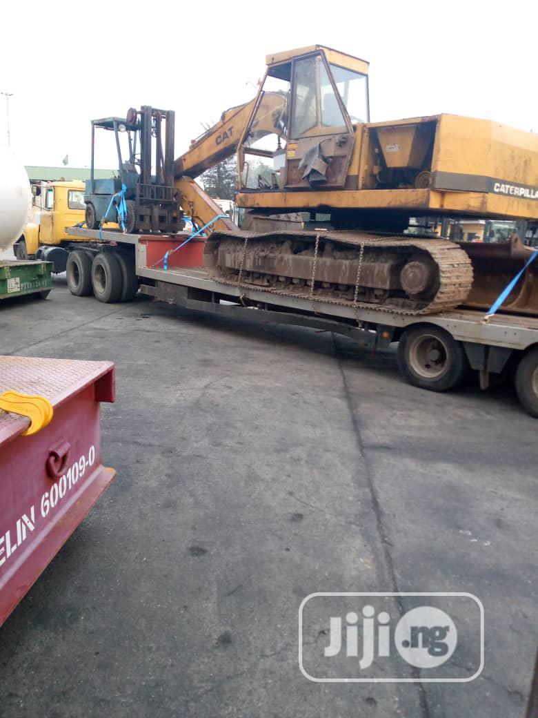 Caterpillar Excavator 211