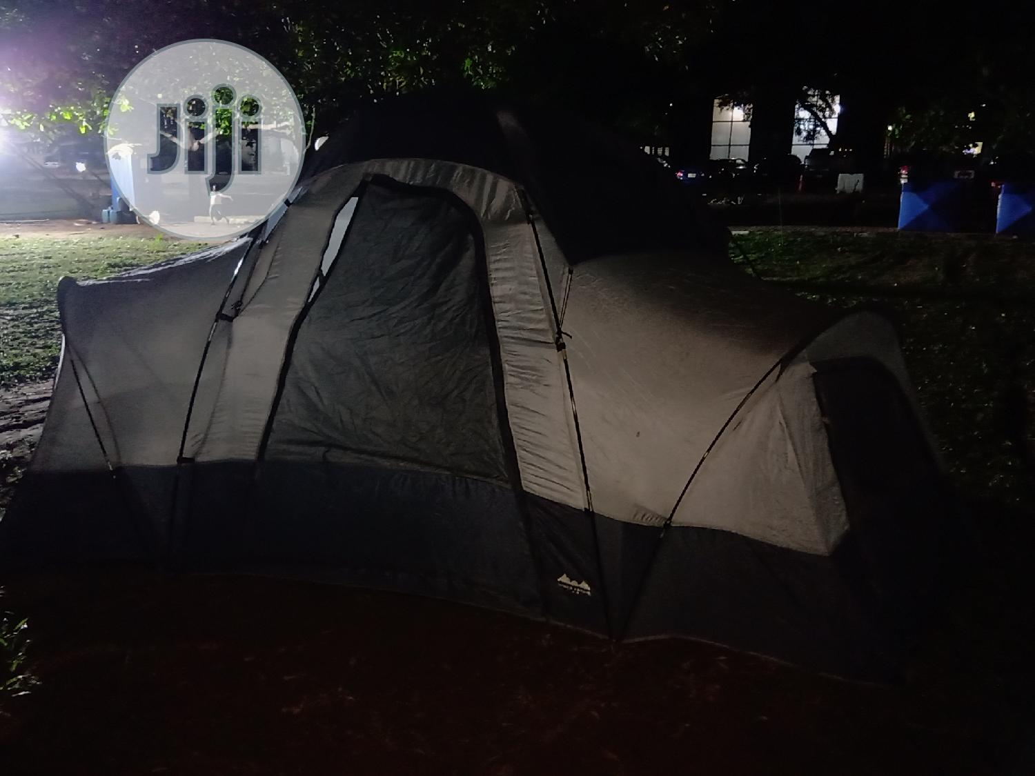 Big Durable Tent For 8 To 10 People