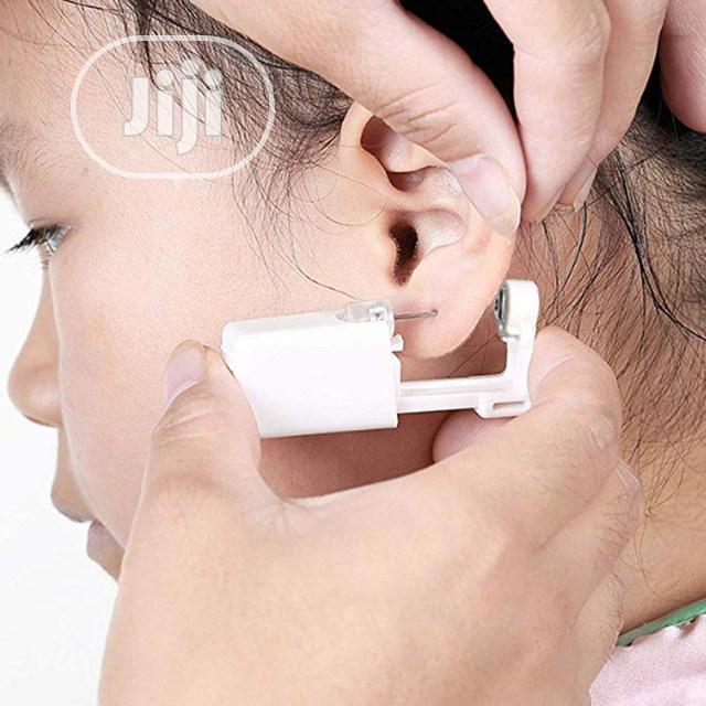 Sterile No Pain Piercing Gun Tool Kit Ear/Nose Piercer