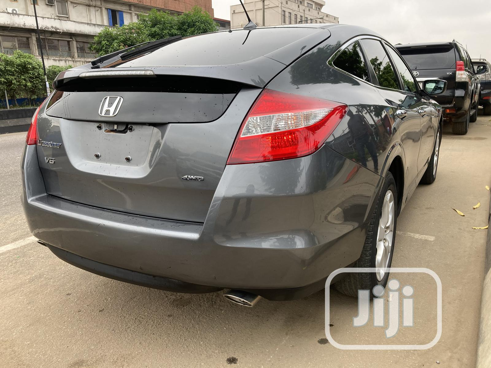 Archive: Honda Accord CrossTour 2012 EX-L Gray