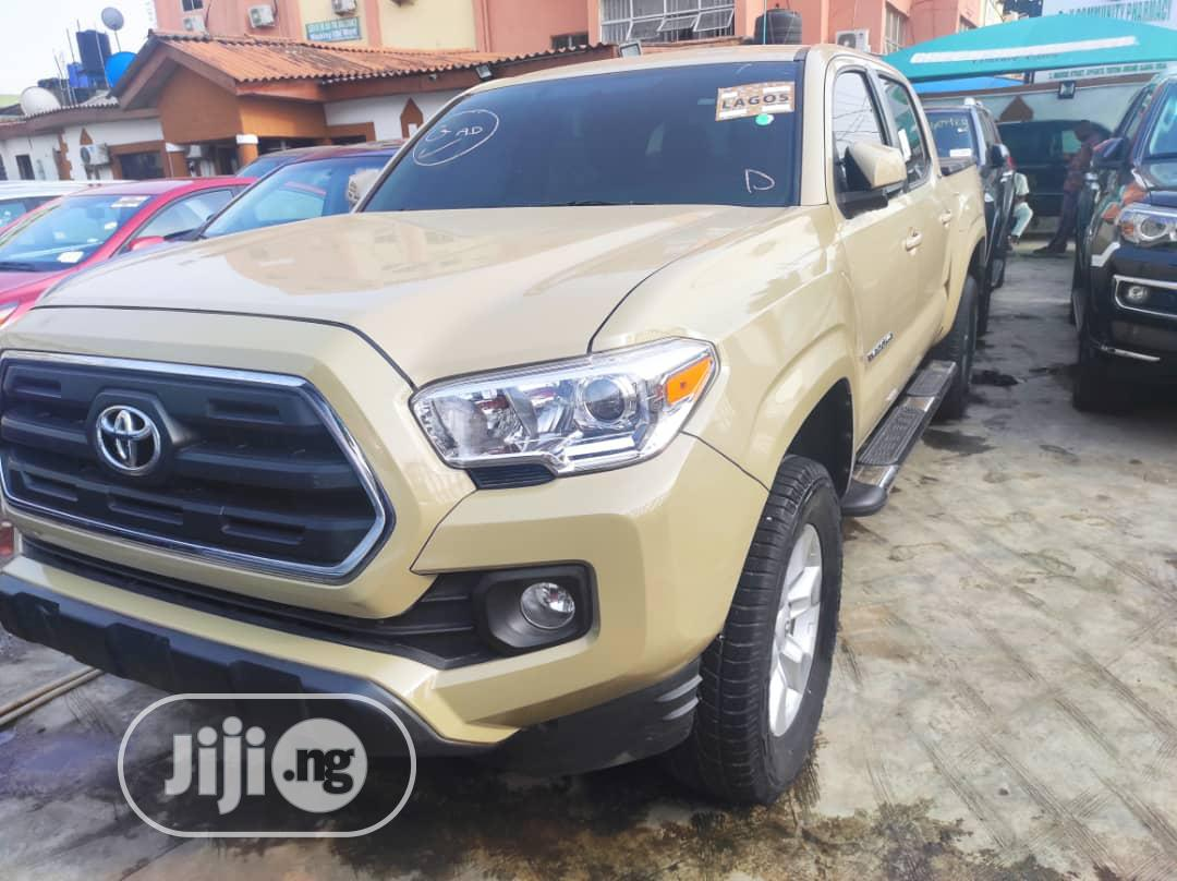 Toyota Tacoma 2016 4dr Double Cab Gold