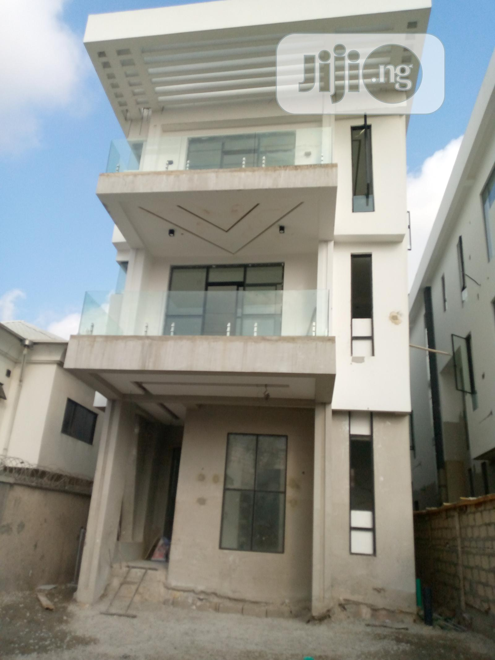 Newly Built 5 Bedroom Duplex For Sale
