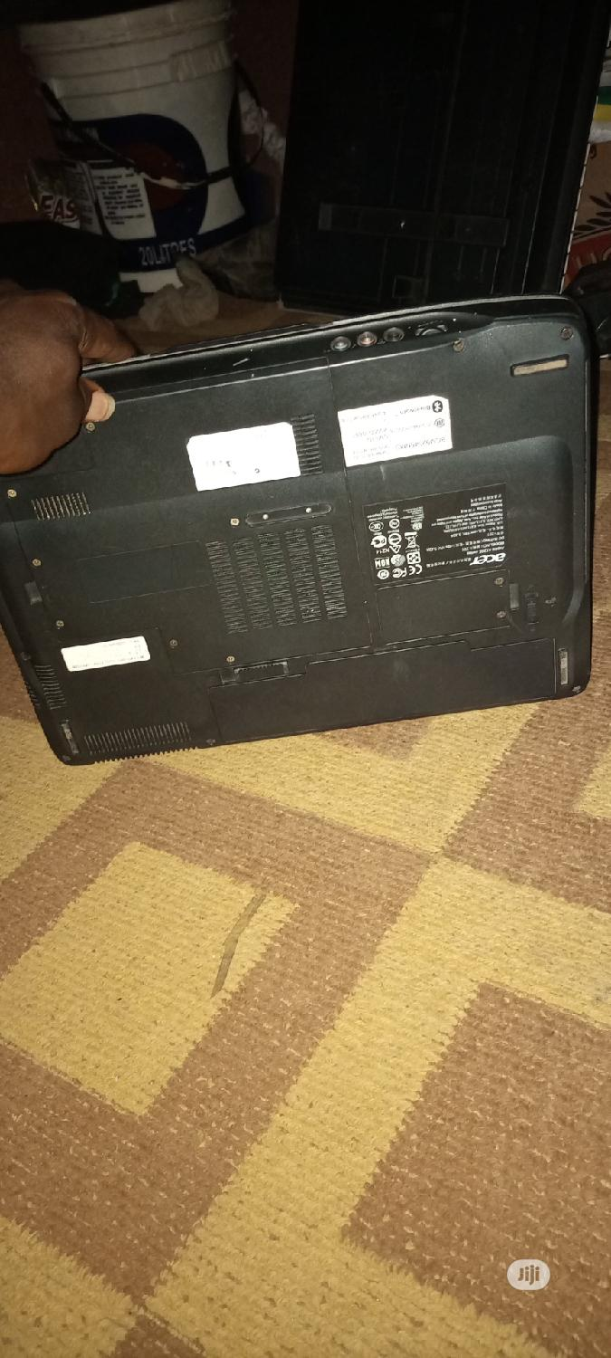 Archive: Laptop Acer AS5755 3GB Intel 140GB