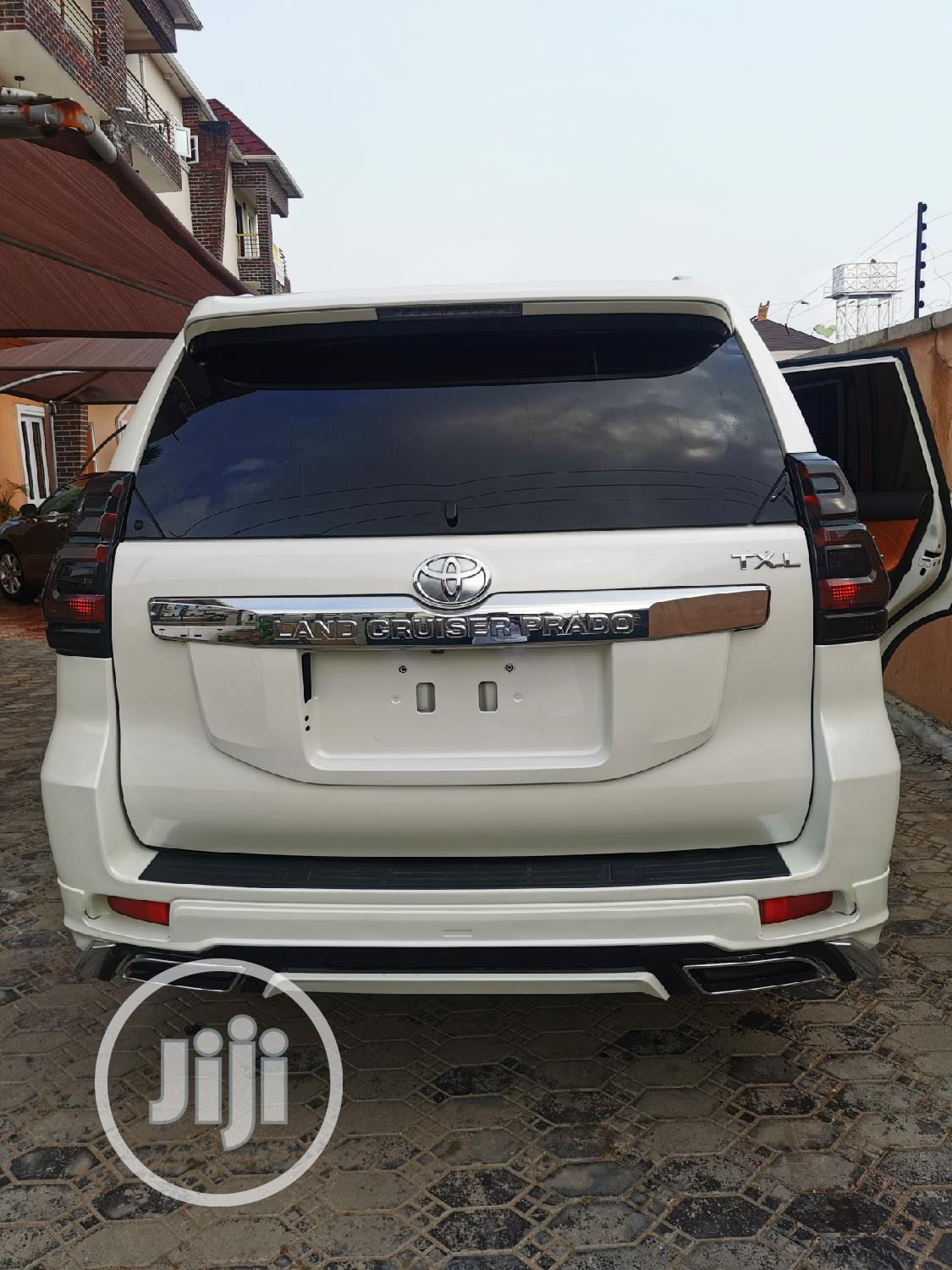 Archive: Toyota Land Cruiser Prado 2012 ALTITUDE White