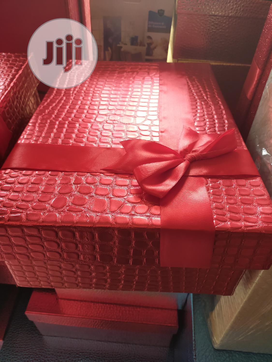 Red Gift Boxes In Stock