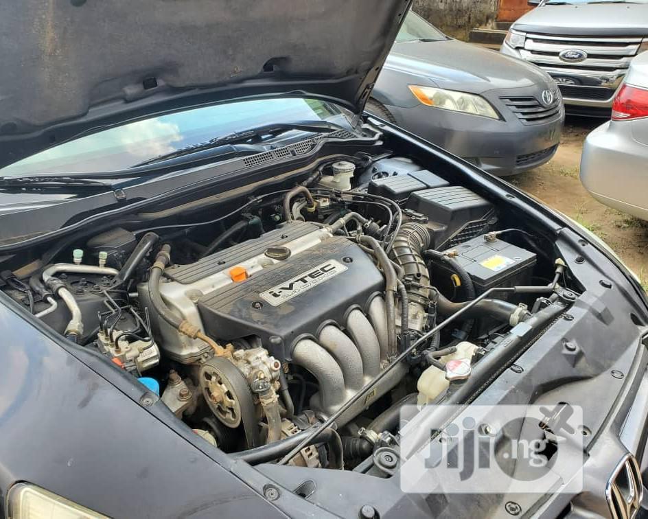 Archive: Honda Accord 2005 2.0 Comfort Automatic Black
