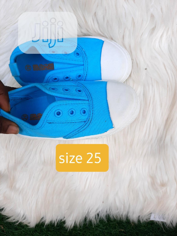 Brand New Kiddies Sneakers In Size 25