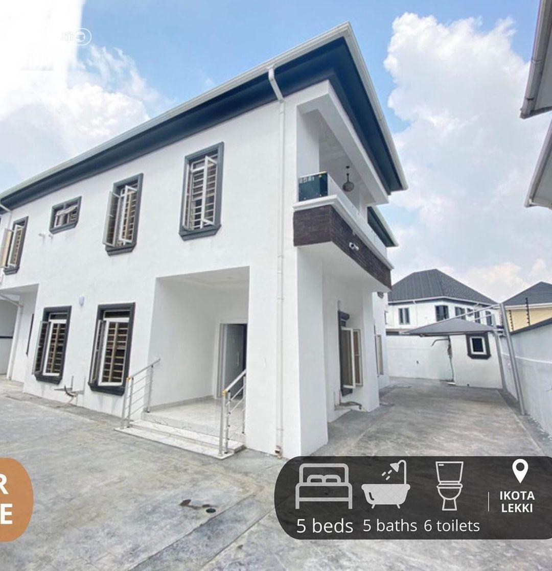 Luxurious 5bedroom Fully Duplex For Sale With BQ