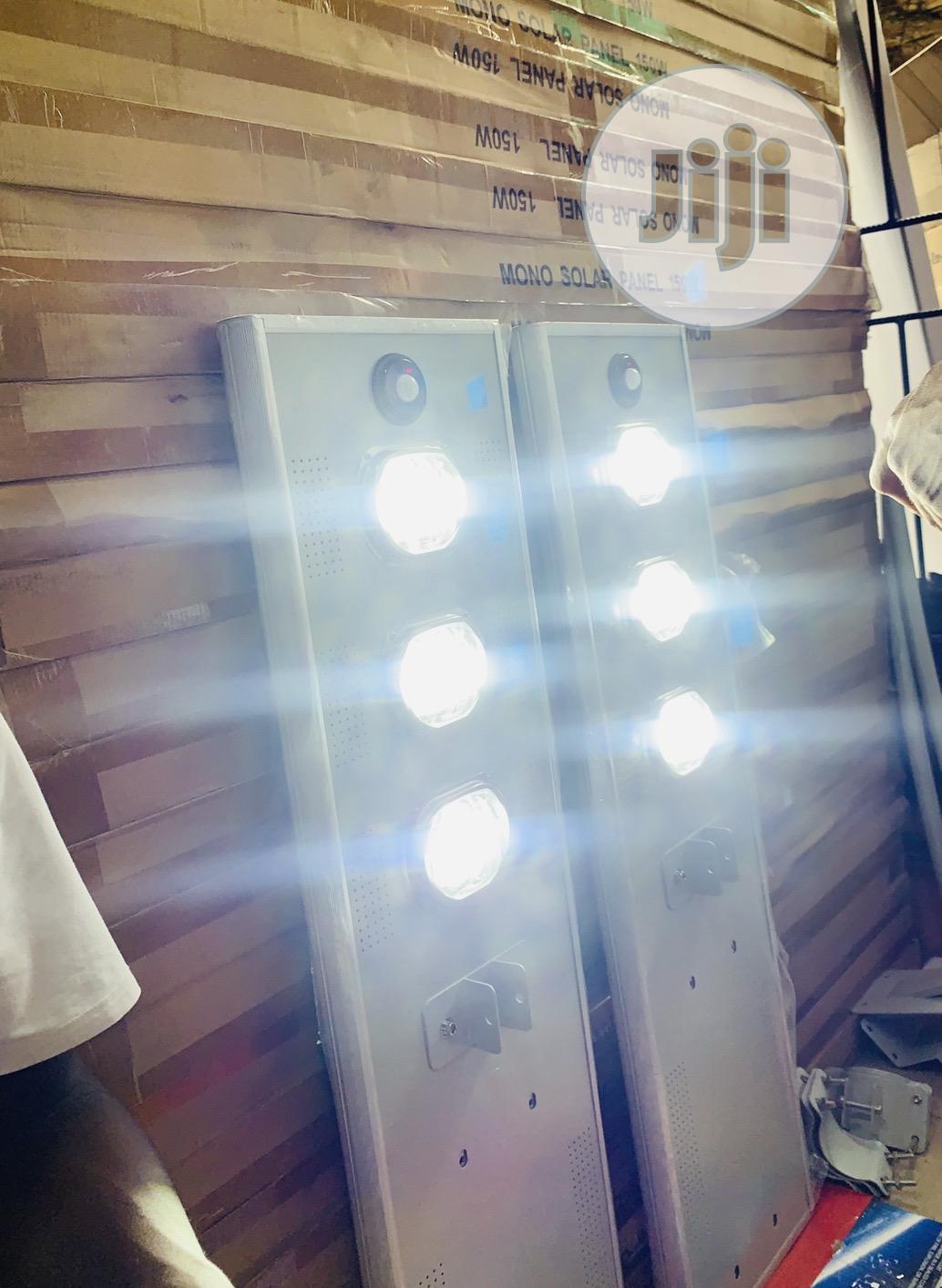 100watts 3cob Solar All in One Street Light