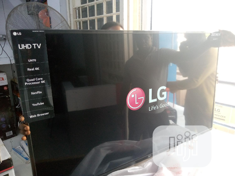 LG Uhd Smart TV 65 Inches