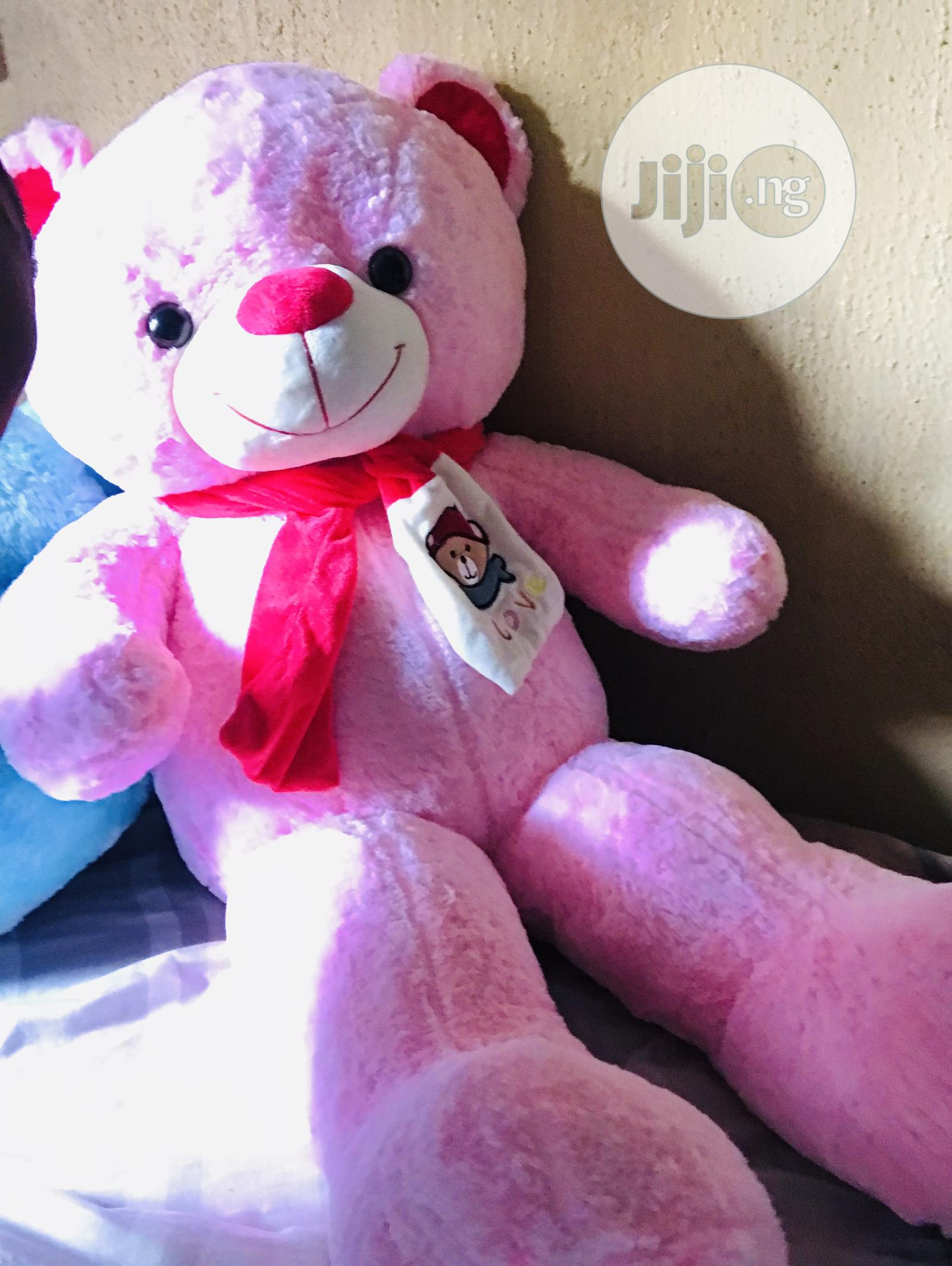 Giant Teddybear Available in Different Colors