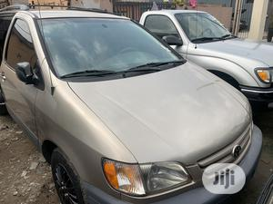 Toyota Sienna 2003 Gold   Cars for sale in Lagos State, Surulere