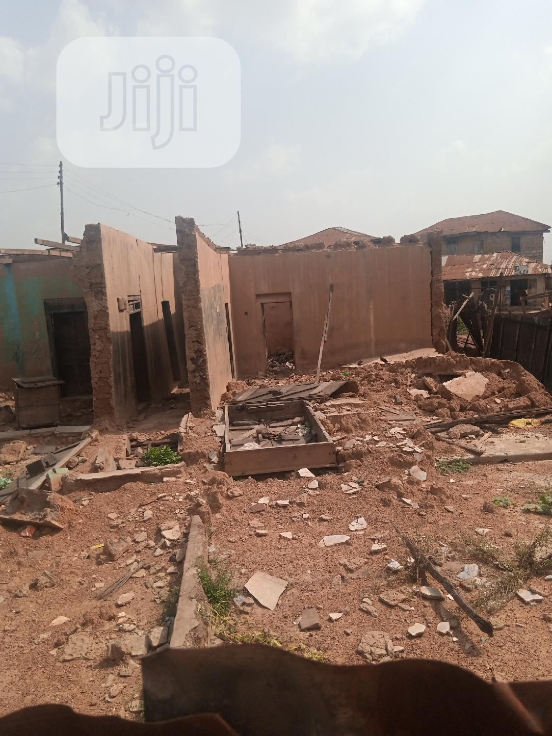 Available Land Within Oja Market Ibadan, Suitable Complex | Land & Plots for Rent for sale in Ibadan, Oyo State, Nigeria