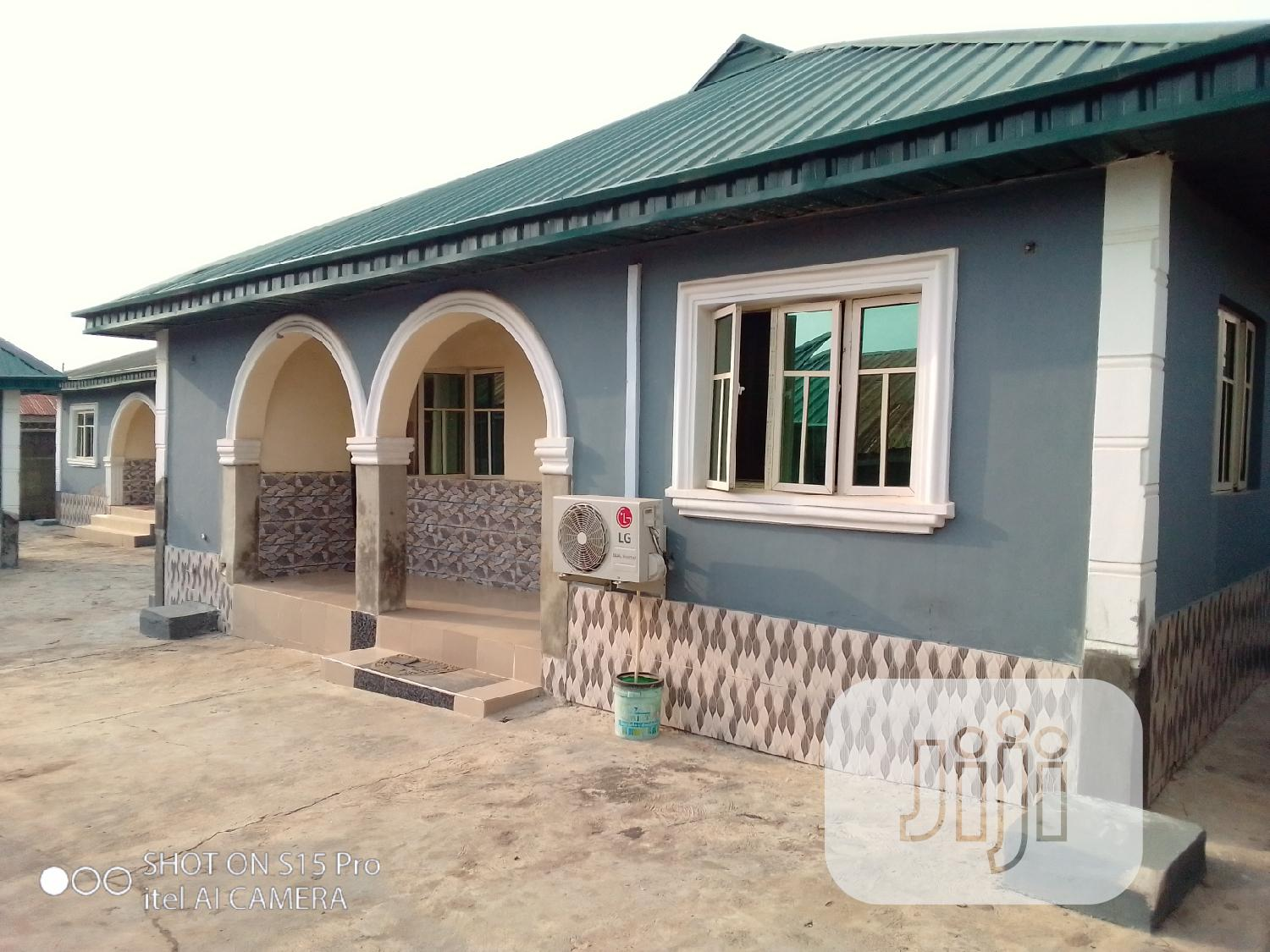 Fully Functioning 12 Rooms Hotel For Sale
