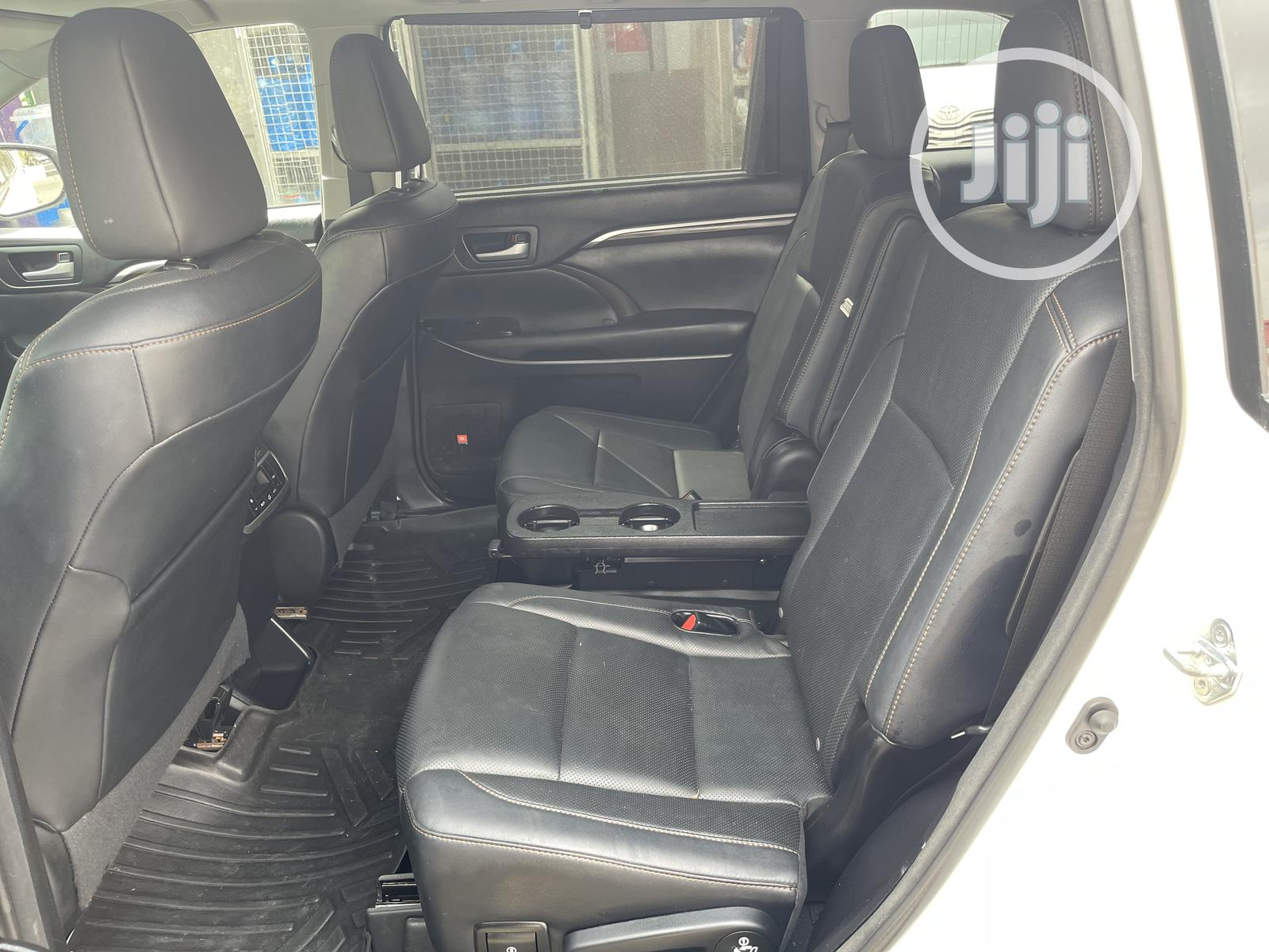 Toyota Highlander 2015 White | Cars for sale in Surulere, Lagos State, Nigeria