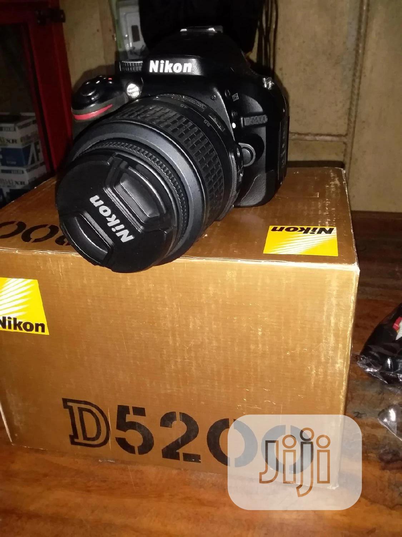Professional Nikon D5200 Camera