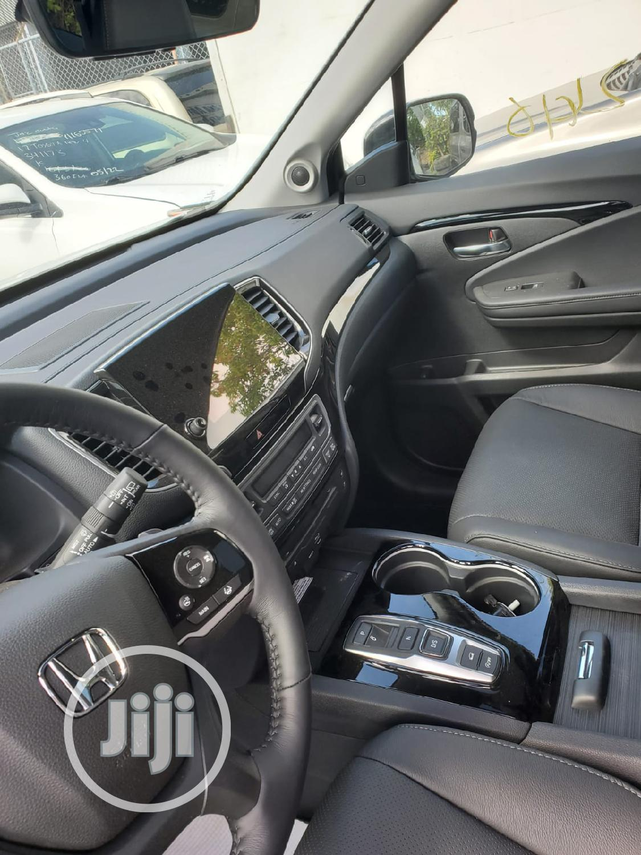 Archive: Honda Pilot 2020 Touring 7 Passenger AWD White