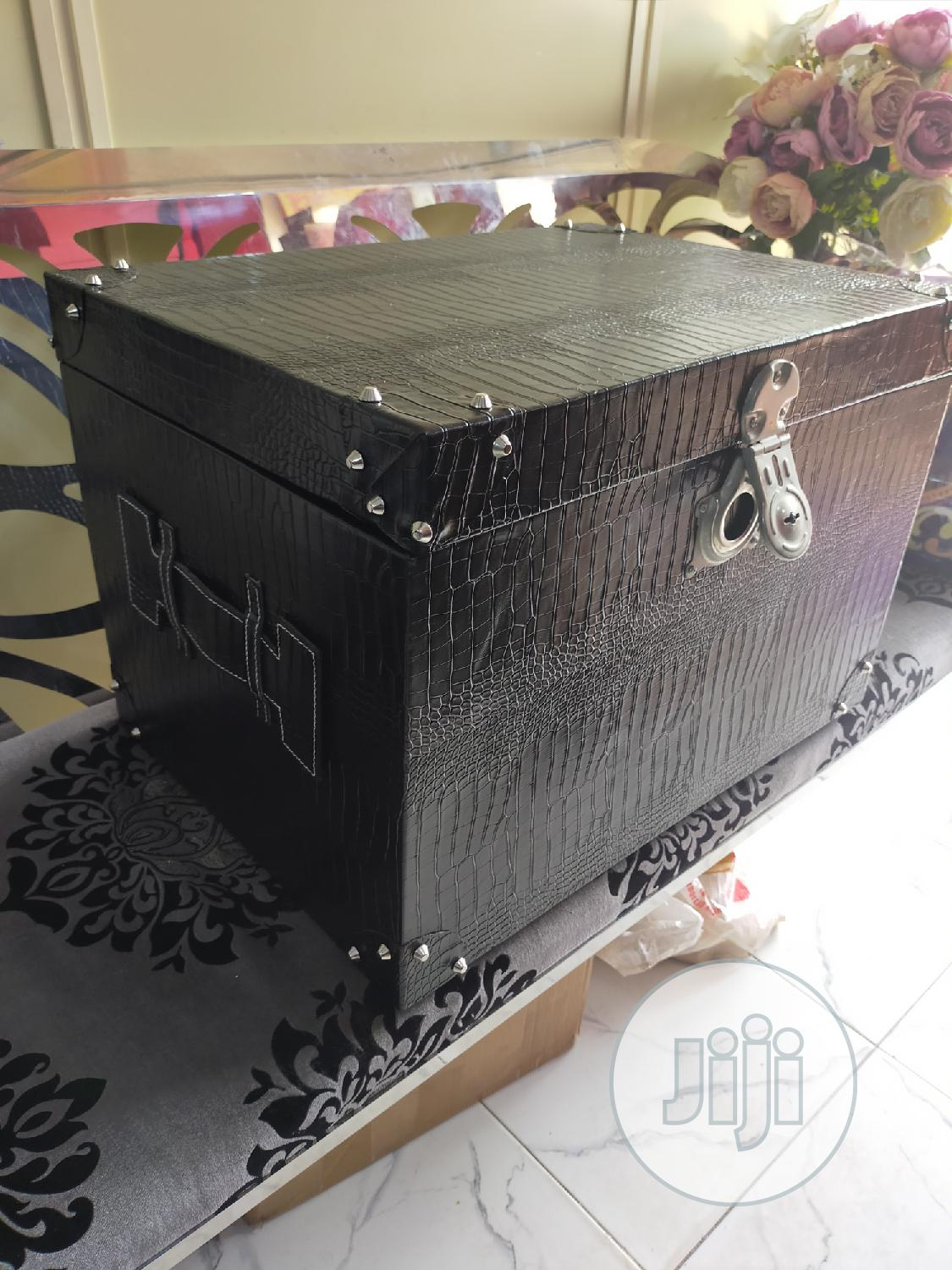 Black Wood And Leather Executive Gift Trucks For Hamper | Arts & Crafts for sale in Surulere, Lagos State, Nigeria