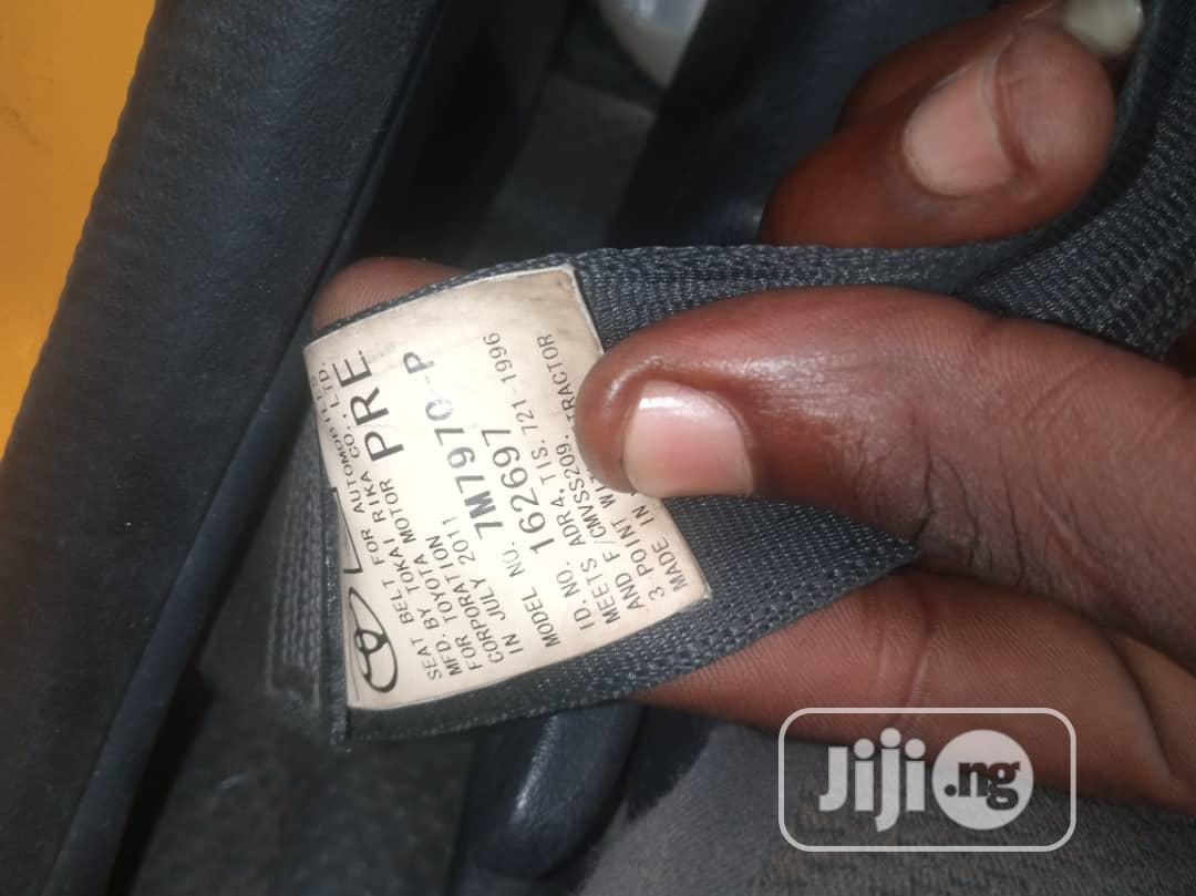 Archive: Manual Toyota Hiace 2012 Yellow