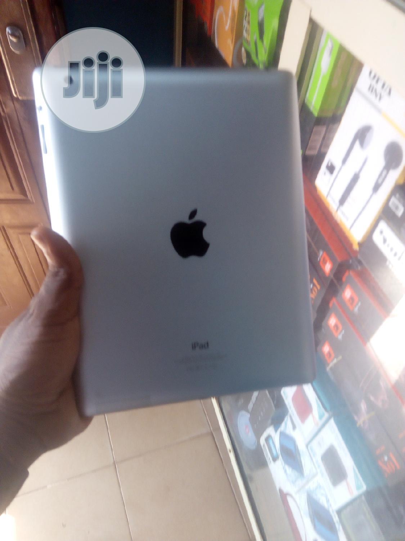 Apple iPad 4 Wi-Fi 64 GB Gray