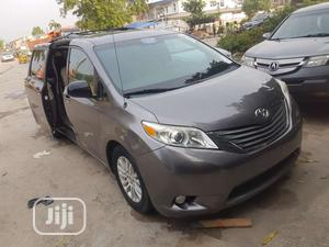 Toyota Sienna 2011 LE 7 Passenger Mobility Gray   Cars for sale in Lagos State, Amuwo-Odofin