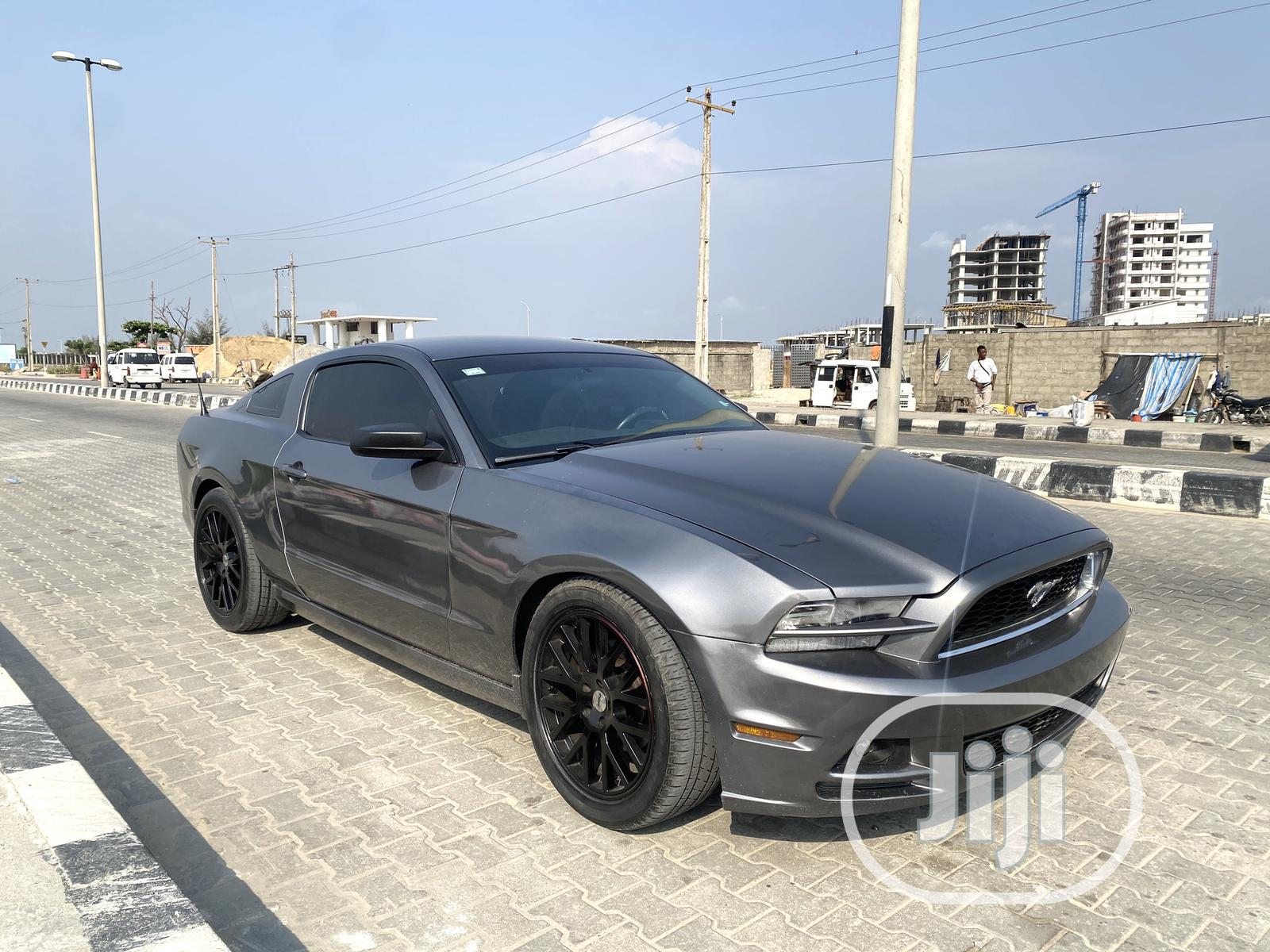 Archive: Ford Mustang 2014 Gray