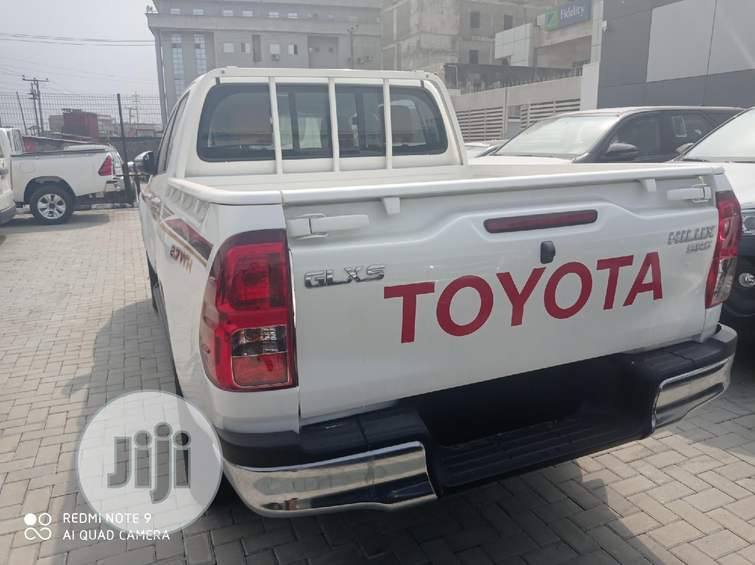 New Toyota Hilux 2019 SR5+ 4x4 White | Cars for sale in Lekki, Lagos State, Nigeria