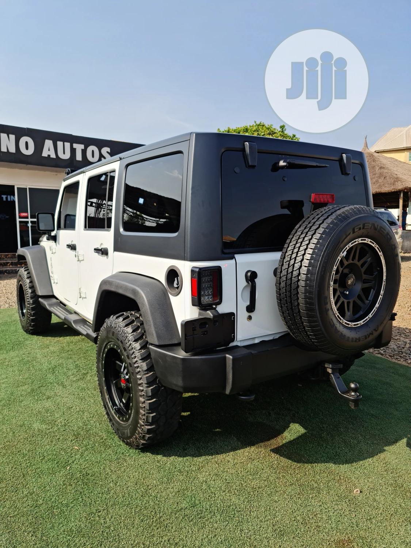 Archive: Jeep Wrangler 2014 White