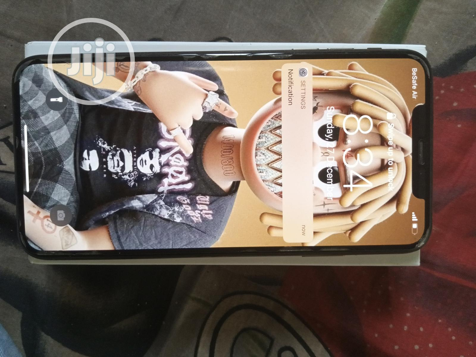 Archive: Apple iPhone XS Max 512 GB Gold