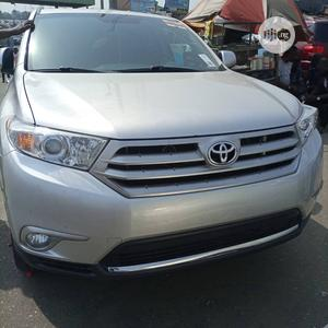Toyota Highlander 2013 Limited 3.5L 2WD Silver | Cars for sale in Lagos State, Alimosho