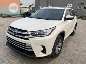 Toyota Highlander 2018 XLE 4x4 V6 (3.5L 6cyl 8A) White   Cars for sale in Lagos State, Amuwo-Odofin